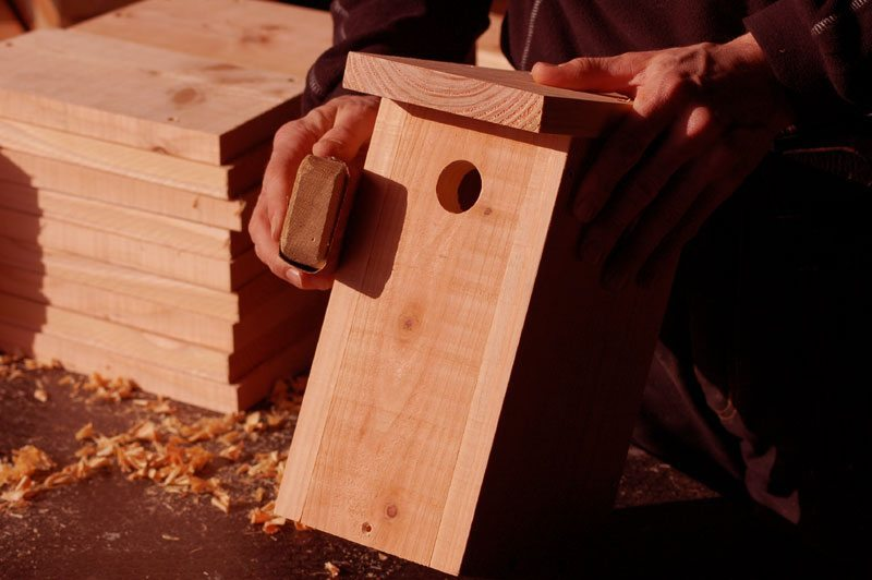 Fuglekasse lavet i hånden